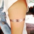 濡れてもOK!肌に貼るフェス用アクセタトゥーシールの貼り方は簡単!