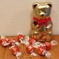 リンツのベアー缶に入ったチョコレートを姪に貰ったよ